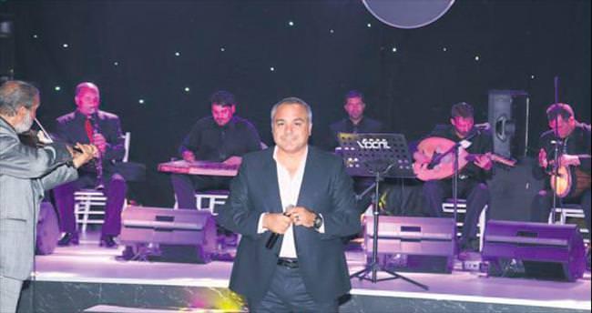 Elitaş'ın şarkıcı yeğeninden büyük başarı