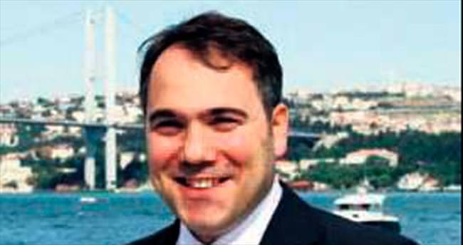 Davutoğlu'nun özel kalem müdürü teslim oldu