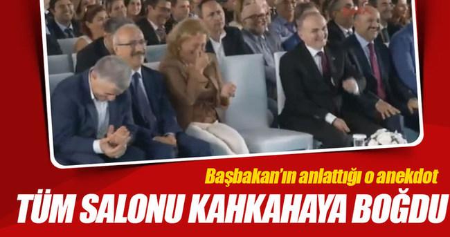 Başbakan tüm salonu kahkahaya boğdu