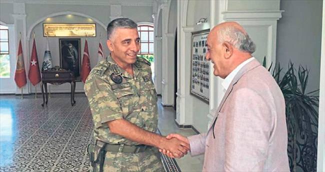 Başkan Seyfi Dingil'den yeni komutana ziyaret