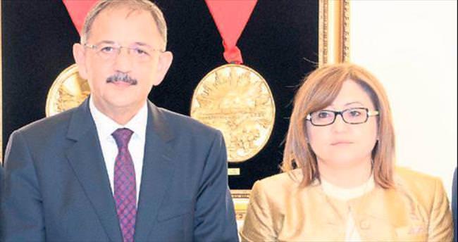 Bakan Özhaseki'den Başkan Şahin'e övgü