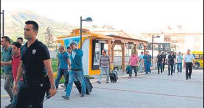 Burdur'daki 15 polis adliyede