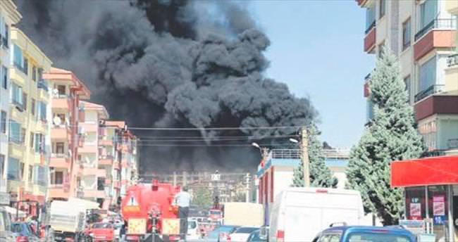 Beypazarı'nda kapalı pazar yerinde yangın