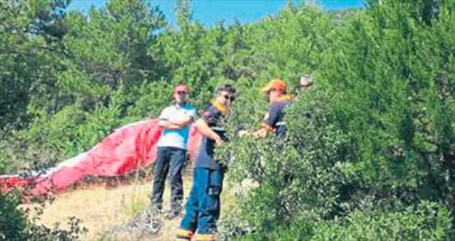 Ormana düşen paraşütçü öldü