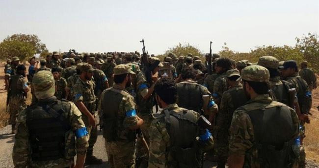 Özgür Suriye Ordusu Suriye sınırının 3 km içindeki Keklice köyünü Daeş'ten aldı