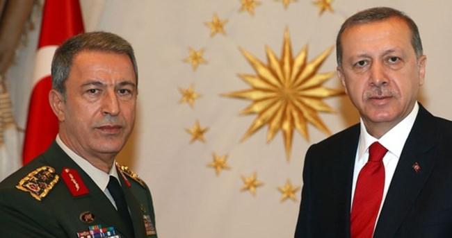 Cumhurbaşkanı Erdoğan, Cumhurbaşkanlığı Külliyesi'nde Genelkurmay Başkanı Hulusi Akar'ı kabul etti