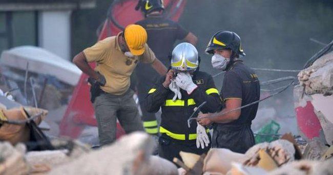 Depremden sonra İtalya'da OHAL ilan edildi