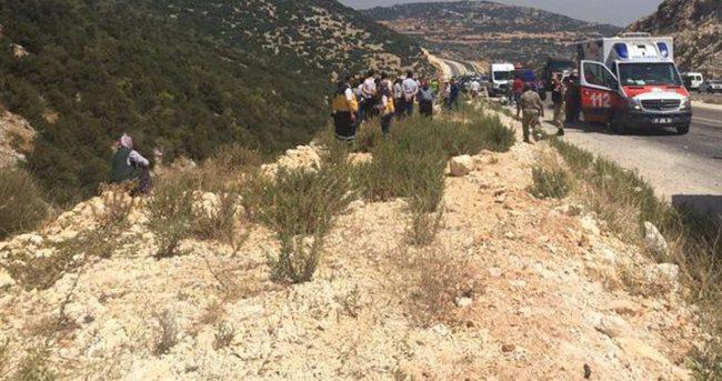 Hatay'da minibüs şarampole devrildi: 8 ölü