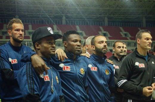 Eskişehirsporlu futbolcular yeni stadı gezdi