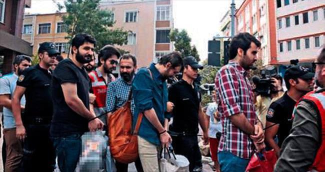 İstanbul'da 12 bölge imamı tutuklandı