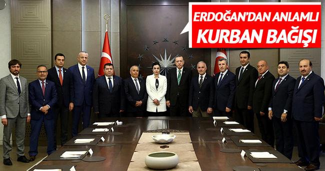 Cumhurbaşkanı Erdoğan, kurban vekaletlerini Kızılay'a verdi