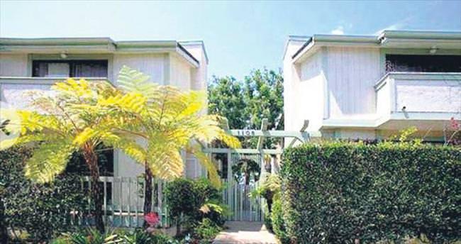 İlk evini 1.1 milyon $'a satıyor