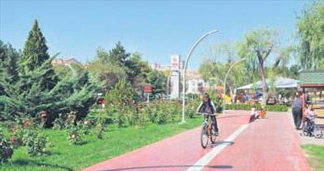Keçiören'de parklar cıvıl cıvıl
