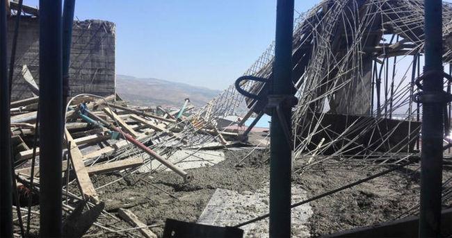 Bingöl'de inşaat iskelesi çöktü: 5 yaralı