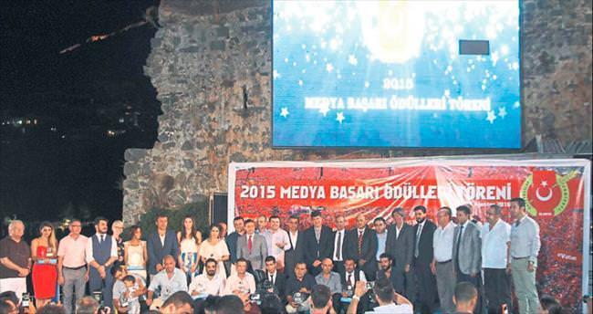 Gazeteciler ödül aldı