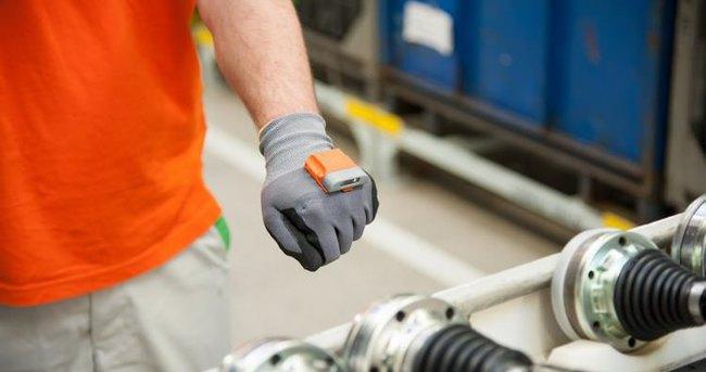 Otomobil üretiminde akıllı eldiven dönemi