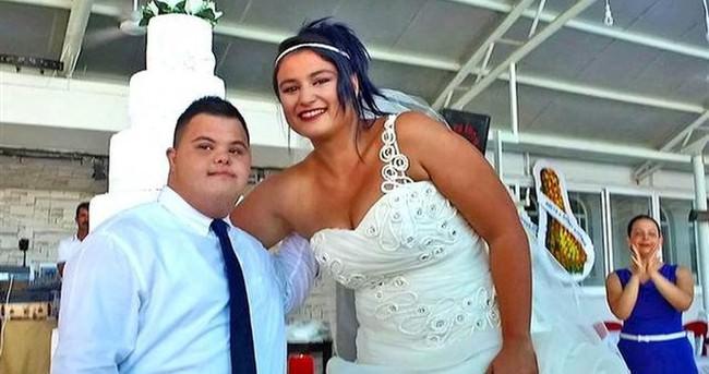 Koray için temsili düğün töreni düzenlediler