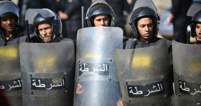 Mısır'da polis merkezine saldırı