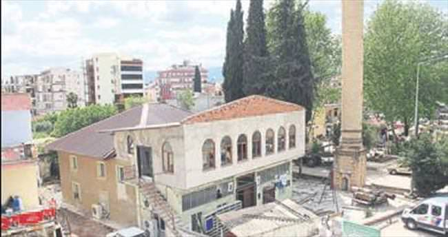 Tarihi cami restore edildi