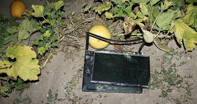 Akıncı Üssü yanındaki tarlada 3 bilgisayar bulundu