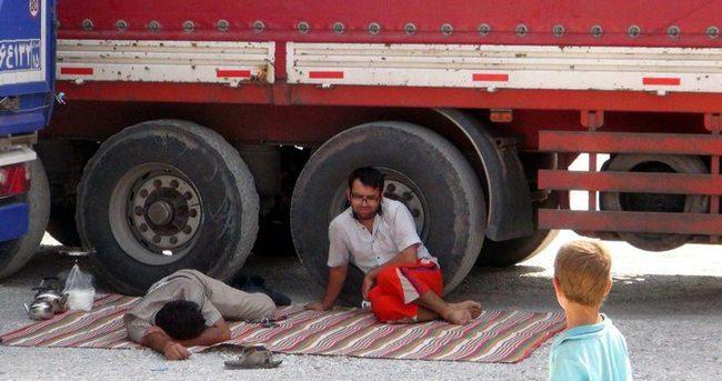 Yolda kalan vatandaşlardan terör örgütüne tepki