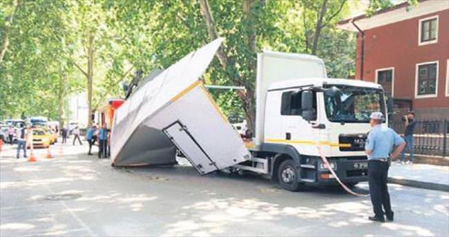 Kumrular Sokak'ta görünmez kaza