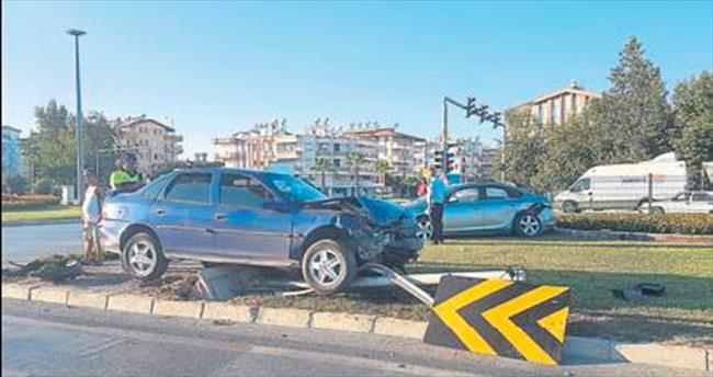 Dikkatsizlik kazası: Üç kişi yaralandı