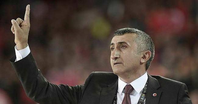 Aziz Akkaya Beşiktaş'a döndü