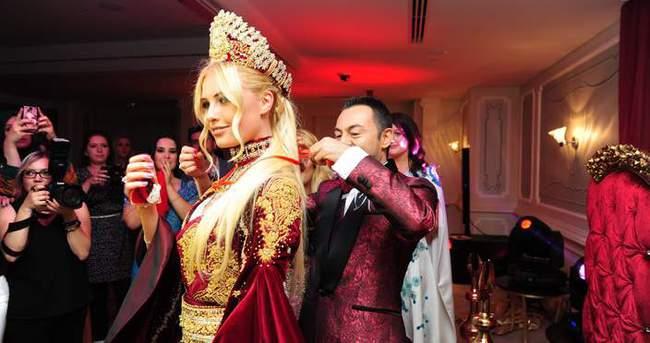 Serdar Ortaç evliliği dilinden düşürmüyor