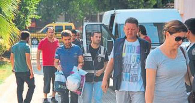 Fethiye'de 3 FETÖ'cü cezaevine gönderildi