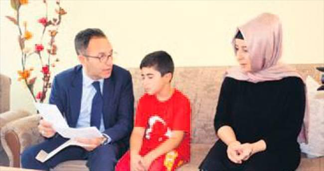 Ertan Aydın şehit ailesini ziyaret etti