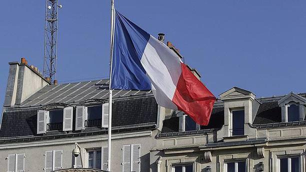 Fransa'da parti binasına saldırı