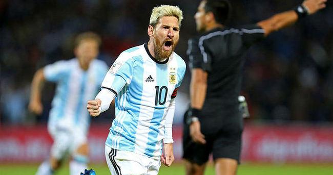 Messi, Arjantin'e golle döndü