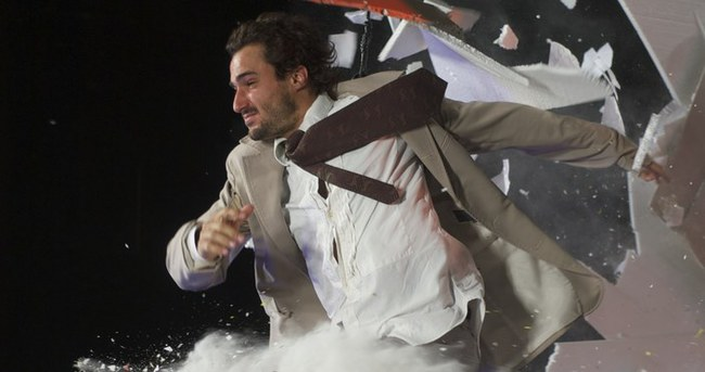 Dünyanın en olağanüstü gösterisi FUERZA BRUTA ilk kez İstanbul'a geliyor