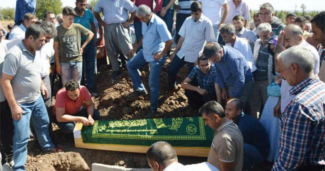 Yakılarak öldürülen işçi gözyaşları içerisinde defnedildi