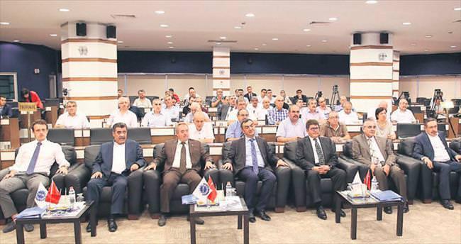 Türkiye ekonomisi emin adımlarla yoluna devam ediyor