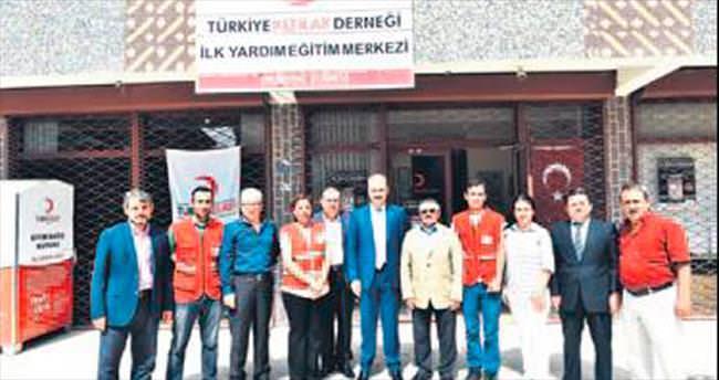 Başkan Akgül'den Kızılay'a bağış