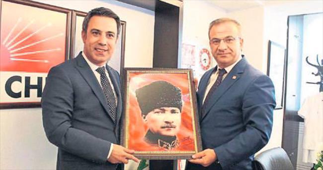 AK Parti'den CHP'ye anlamlı ziyaret