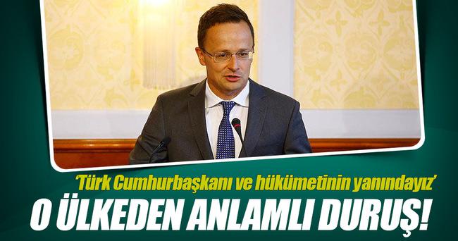 Türk Cumhurbaşkanı ve hükümetinin yanında duruyoruz