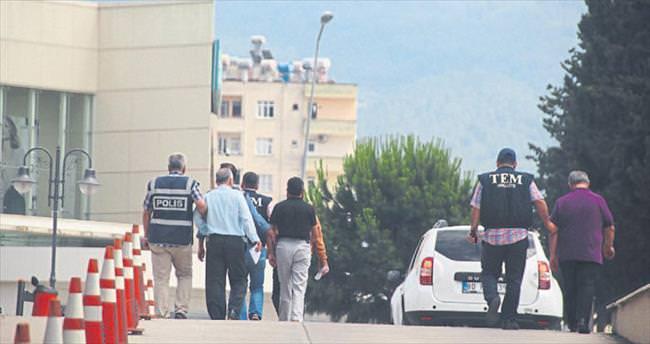 Osmaniye'de 17 polis cezaevine gönderildi