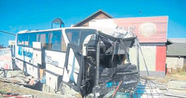 Balıkesir'de kaza: 2 ölü 22 yaralı var
