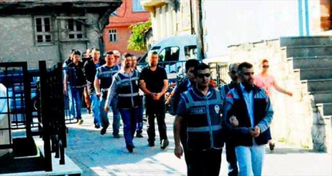 FETÖ operasyonlarında 30 şüpheli tutuklandı
