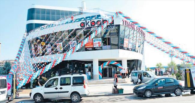 Akbaba Modaplaza Gemi AVM'de açıldı