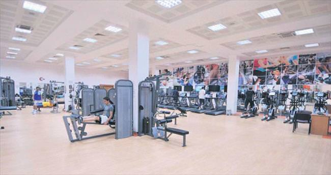 Engelleri kaldıran spor salonu Keçiören'de hizmete açıldı