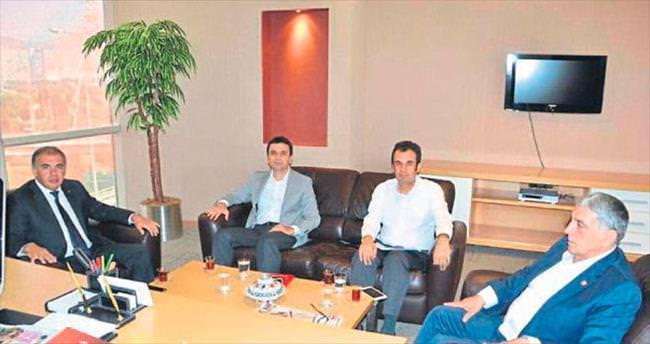 AK Parti'de üç ilçe başkanı belirleniyor
