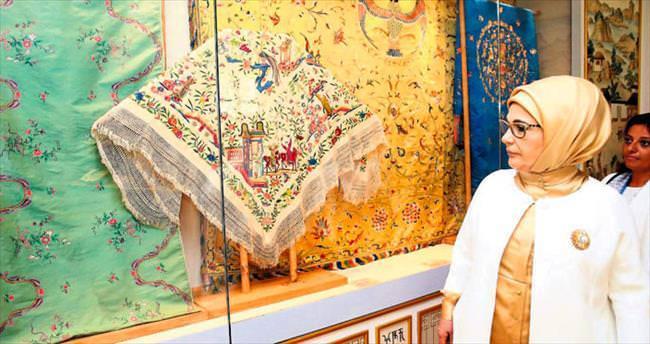 Emine Erdoğan Çin Güzel Sanatlar Akademisi'ni gezdi