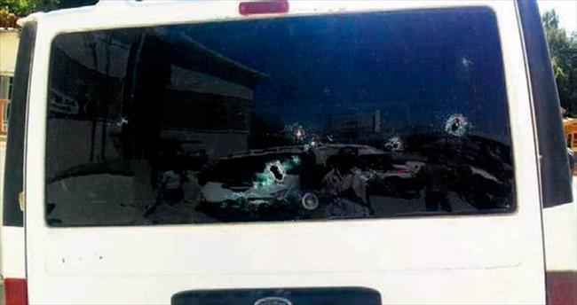 Hainler araç taradı: Sürücü ağır yaralı