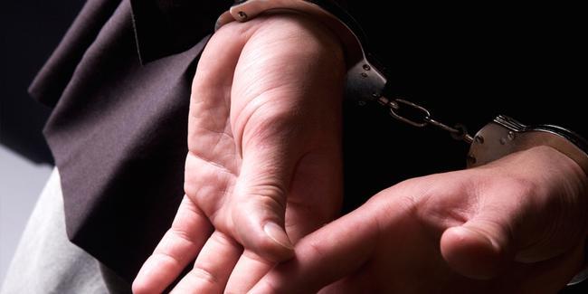 Kocaeli'de eşinin boğazını kesen adam yakalandı