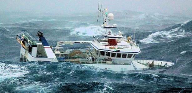 Hindistan'da tekne alabora oldu Çok sayıda ölü var