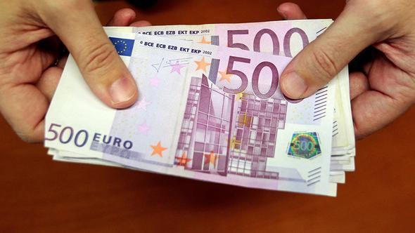 İsviçre'de tuvalette sifon çekilmiş binlerce euro bulundu